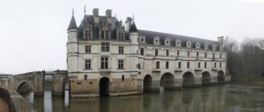 Frankrijk. De Vallei van de Loire. Het kasteel van Chenonceau. Panorama stock foto