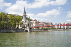 Frankrijk, Lyon - Augustus 3, 2013: Brug pasrel-heilige-Georges, lood Royalty-vrije Stock Foto's