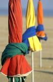 Frankrijk, parasols op het strand Stock Afbeeldingen