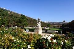 Frankrijk, Parijs: De tuin van het Palais Royal stock foto