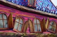 Frankrijk, Parijs, Disneyland, Oktober 14, van 2018 Disneyland decoratiedetail en vensters royalty-vrije stock afbeelding