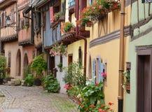 Frankrijk, schilderachtig dorp van Eguisheim in de Elzas Stock Foto