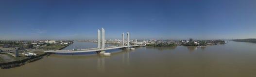 Frankrike Aquitaine, Gironde, Bordeaux Bastide Bridge Jacques Chaban Delmas royaltyfri foto