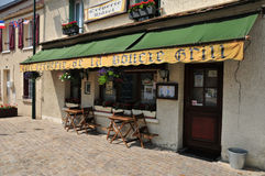 Frankrike den pittoreska byn av Moisson Royaltyfri Foto