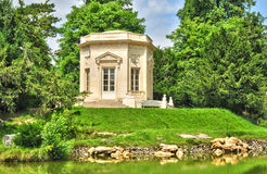 Frankrike det Marie Antoinette godset i parcen av Versailles PA Royaltyfri Bild