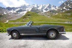 Frankrike - Juni 16: Gammal svart sportbil, 16 Juni 2012, Grenoble, F Arkivbilder