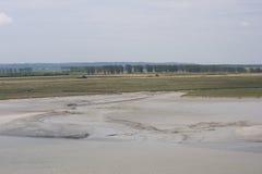 Frankrike Mont Saint MICHEL - JULI 29, 2014: Landskap efter låg t Fotografering för Bildbyråer