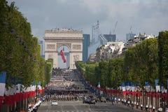 Frankrike Paris - 14 juli 2011 Legionärer av den franska utländska legionen marscherar på ståta på Champset-Elysees Fotografering för Bildbyråer