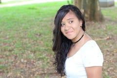 Frankt av verklig seende etnisk tonåring arkivfoto