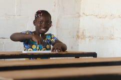 Frankt skott av etnicitetbarnet för svart afrikan - internationella Wom fotografering för bildbyråer