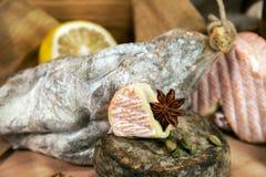 Frans vlees met gesneden kazen Stock Foto's