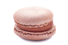 Franse bruine macaron op wit Royalty-vrije Stock Afbeelding