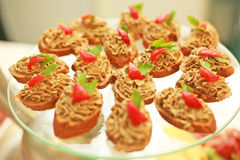 Franse canapes in een koffie Stock Afbeelding