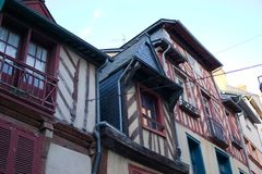 Franse gebouwen blootgestelde houten stralen Bretagne stock foto