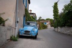 Franse klassieke auto in de Provence Stock Foto's