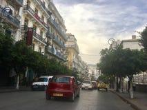 Franse koloniale kant van de stad van Algiers, Bach Djarrah Algerije De moderne stad heeft vele oude Franse typegebouwen stock fotografie