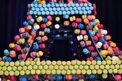 Franse makaroncakes op de de Torenvorm van Eiffel Royalty-vrije Stock Fotografie