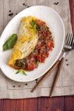 Franse omelet met tomaten stock foto's