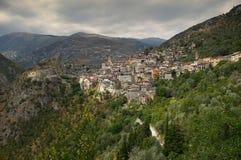Franse Riviera, Saorge-dorp: charme van de middeleeuwse stad stock afbeeldingen