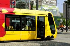 Franse tram in Mulhouse stock fotografie