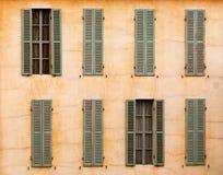 Franse vensters met blinden Stock Afbeelding