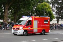 Fransk brandlastbil som ståtar för den nationella dagen av 14 Juli, Frankrike Royaltyfri Bild