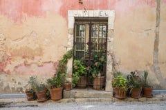 Fransk dörröppning i Provence Royaltyfri Foto