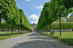 Fransk formell trädgård av chateauen de Pau Arkivfoto