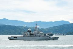 Fransk fregatt Vendemiaire F-734 av den franska marinen royaltyfri foto