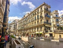 Fransk kolonial sida av staden av Algiers Algeriet Modern stad många gamla franska typbyggnader Arkivbild