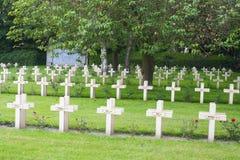 Fransk kyrkogård från det första världskriget i Flanders Belgien royaltyfri fotografi