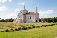 Fransk militär kyrkogård av Notre Dame de Lorette Arkivbilder