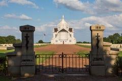 Fransk militär kyrkogård av Notre Dame de Lorette Arkivfoto