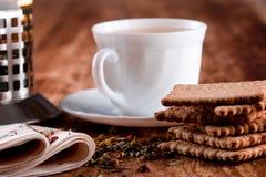 fransk press för kakakopp någon tea Royaltyfri Bild