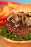 fransk småfiskchampinjon för hamburgare Arkivbild