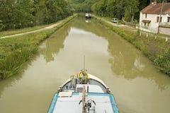 Fransk waterway, kanal Bourgogne Frankrike royaltyfria foton