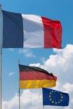 Franska, tysk och europeiska fackliga flaggor Royaltyfri Bild
