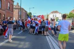 Franskan firar segern av deras fotbollslag i sista 8th Arkivfoto
