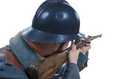 Franskan tjäna som soldat 1914 1918 som isoleras på vit bakgrund Arkivfoton