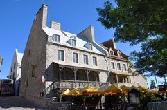 Franskan utformar huset i gammala Quebec City royaltyfri bild