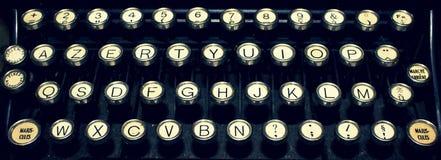 Franskt skrivmaskinsslut för tappning upp av tangenter Arkivfoto