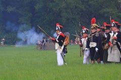 Französische mittelalterliche Soldaten auf dem Schlachtfeld Stockbild
