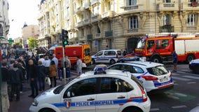 Französische Polizeiwagen und Feuerwehrmann-LKWs lizenzfreies stockfoto
