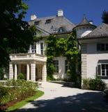 Französische Villa lizenzfreie stockfotos