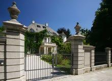 Französische Villa stockfotografie