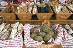 Französische Wurst am Markt des Landwirts Lizenzfreies Stockbild