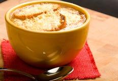 Französische Zwiebelen-Suppe stockfotos