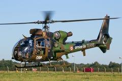 Französischer Armee-Gazellenhubschrauber im Flug Stockbilder