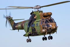 Französischer Armee-Pumahubschrauber im Flug Stockfotografie