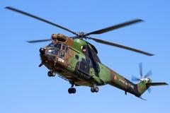 Französischer Armee-Pumahubschrauber im Flug Lizenzfreie Stockfotografie